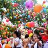 Học sinh tưng bừng chào mừng năm học mới